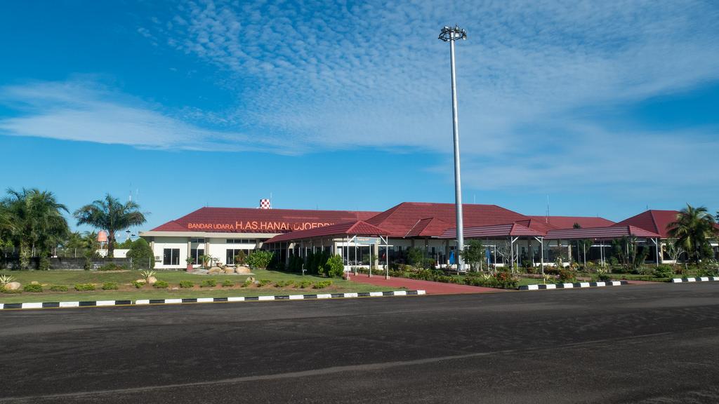 Bandara H.AS.HANANDJOEDDIN